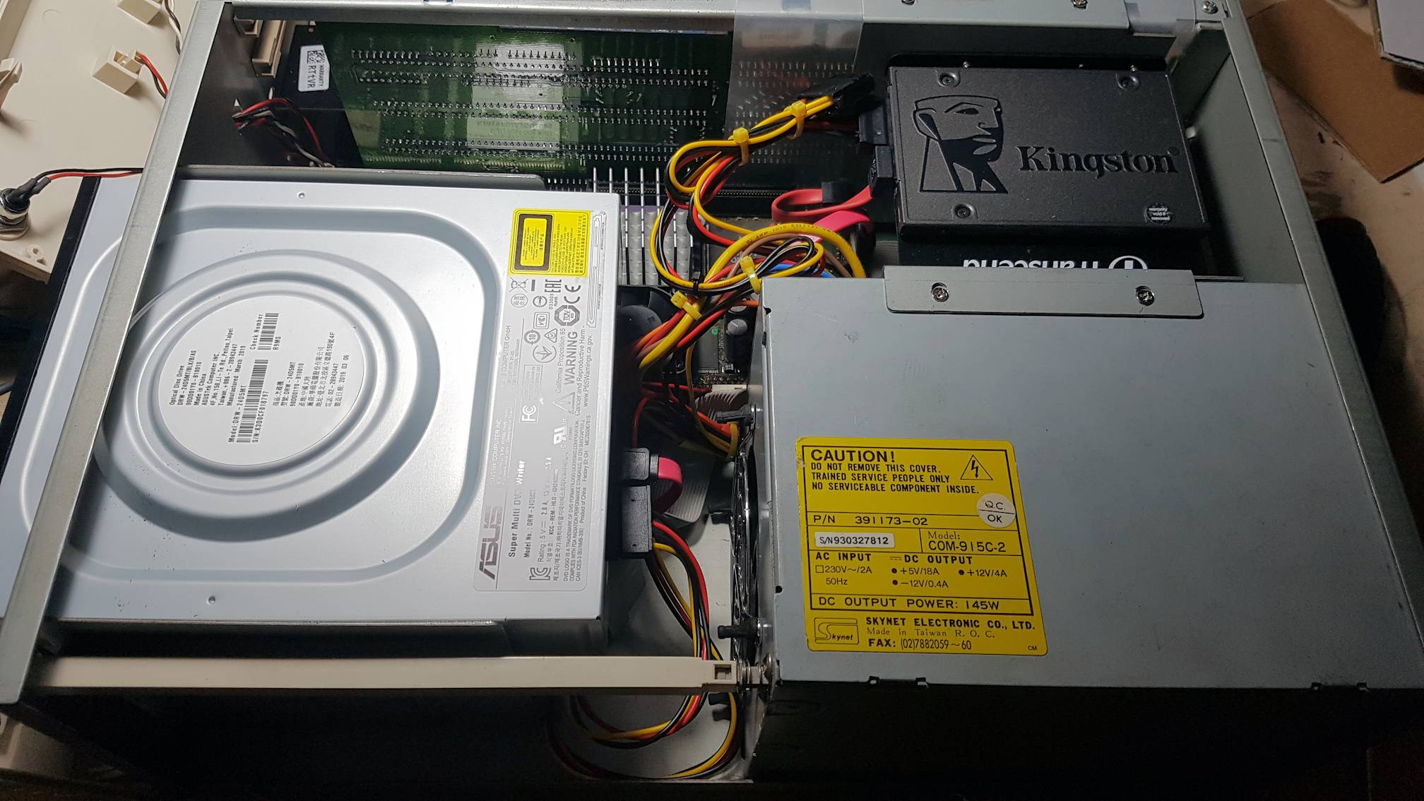 Cablatura risultante nell' Amiga 4000 con bus SATA