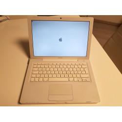 Notebook Apple MACBOOK A1181 bianco da 13,3 Pollici HD da 120GB e 2 GB RAM