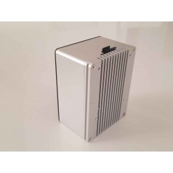 Rock Pi 4 B version with 2 GB DDR4 on aluminium cabinet with heat sink